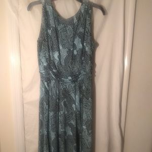 Dresses & Skirts - Office casual dress in paisley blue/green design